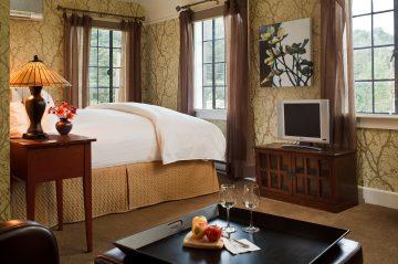 Eoom 209 Bedroom